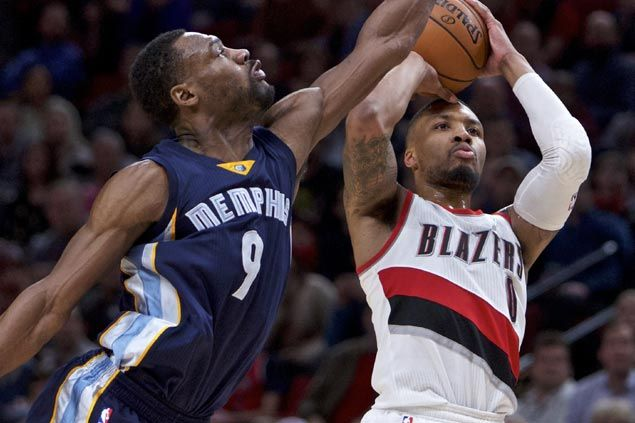 Surging Blazers squander 18-point lead but hang on to beat Grizzlies for third win in a row