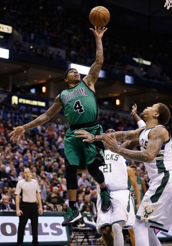 Celtics make it three wins in a row with overtime squeaker against Bucks