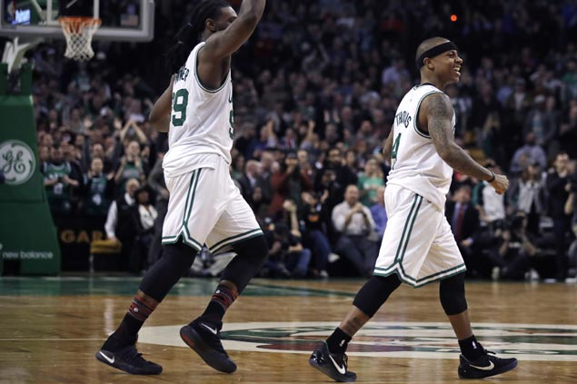 Isaiah Thomas leads late surge as streaking Celtics erase 18-point deficit to beat Raptors