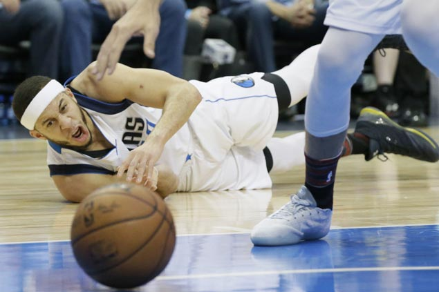 Seth Curry stars anew as Mavericks roll to third straight win with rout over Embiid-less Sixers