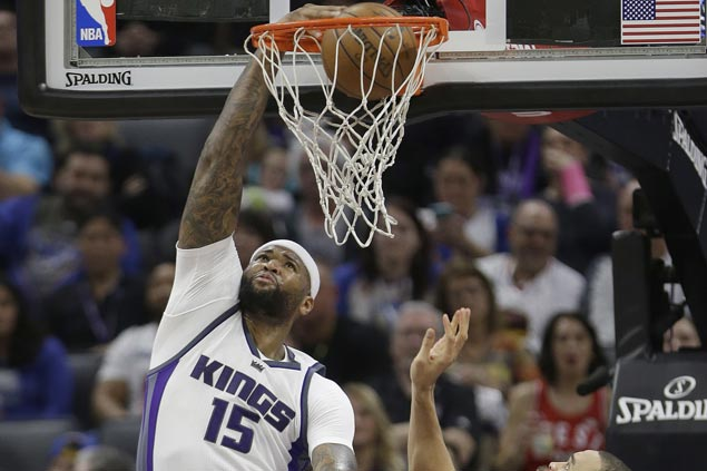 Matt Barnes, DeMarcus Cousins hit huge baskets in overtime as Kings outlast Warriors