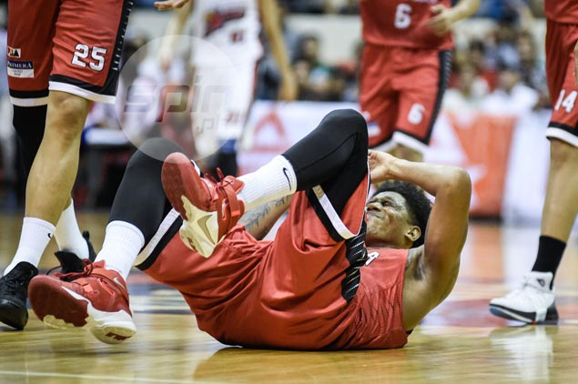 Joe Devance limps off Ginebra-Alaska game with foot injury, taken to hospital for exam