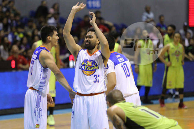 Ranidel de Ocampo still dependable as ever, comes to TnT rescue as teammates went off night