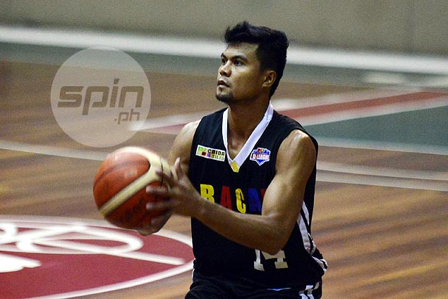 Jerry Codinera preaches patience after Perpetual star Gab Dagangon's scoreless debut with Racal