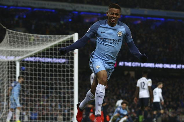 Gabriel Jesus caps brace with late winner to lift Manchester City over Swansea