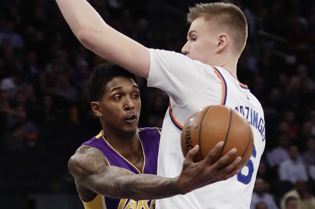Lou Williams shows way as Lakers overpower struggling Knicks