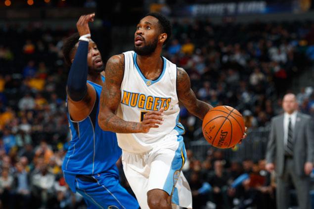 Will Barton scores career-high 31 as Nuggets end Mavericks' win streak at four