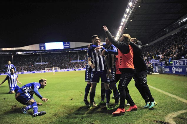 Alaves in Copa del Rey final for the first time in club's 96-year history, takes on titleholder Barca