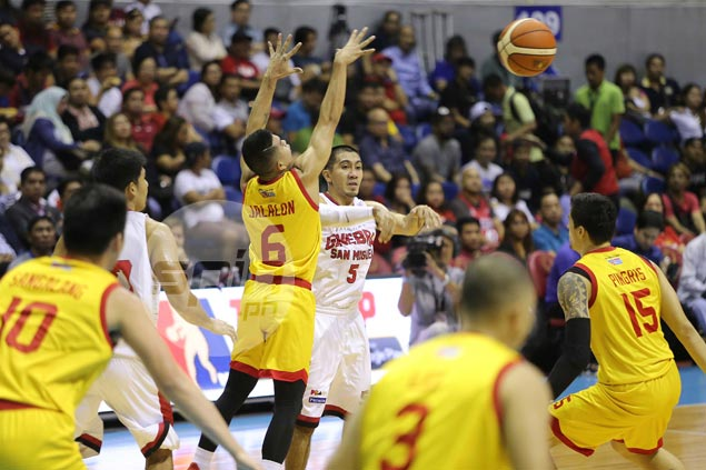 Misfiring LA Tenorio admits difficulty in matchup up against Star's deep backcourt