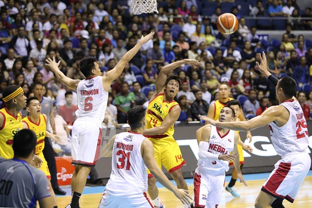 Mark Barroca beats PJ Simon, Dillinger, Ahanmisi for PBA Player of the Week citation