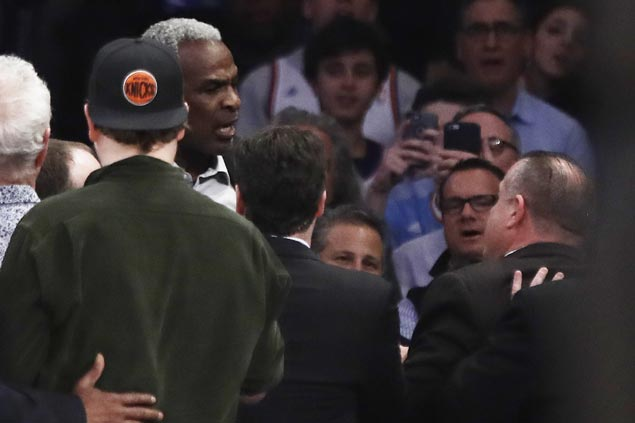 Charles Oakley denies any wrongdoing in MSG arrest, but Knicks call his account 'pure fiction'