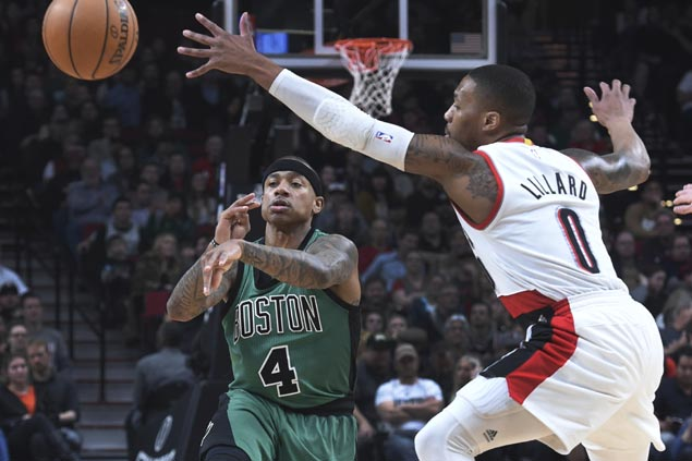 Isaiah Thomas, Marcus Smart come up clutch as Celtics pull away late in comeback win vs Blazers