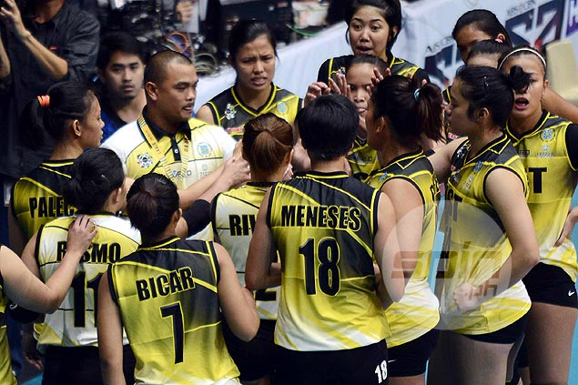 Kungfu Reyes sticks to positives as pre-tournament favorite UST tumbles to 0-2 start