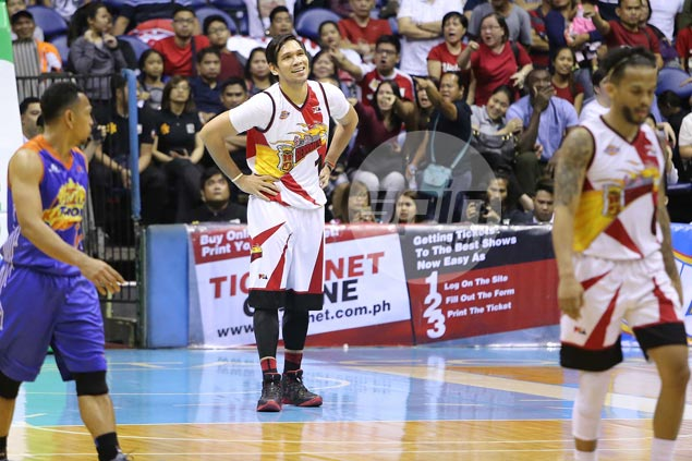 No complaints from gentle giant June Mar Fajardo after foul-plagued performance
