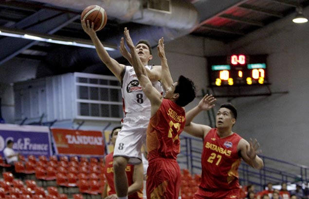 Robert Bolick shows way as Hawkeyes stretch streak to three with rout of Batangas