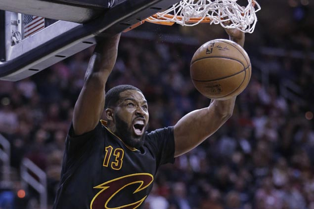 Cavaliers use fourth-quarter surge to beat slumping Pacers