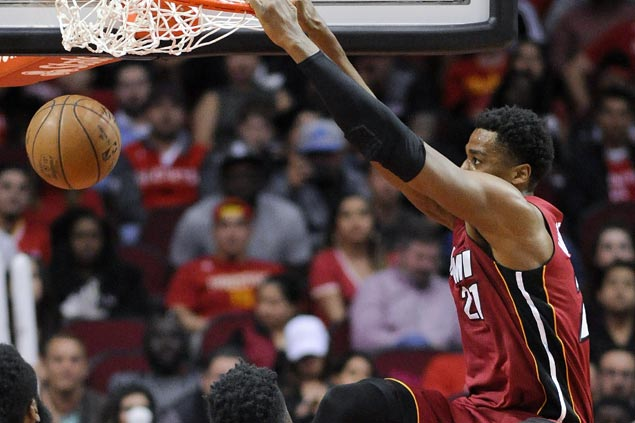 Whiteside, Dragic get Miami back on track as Heat hold off Rockets to snap two-game skid