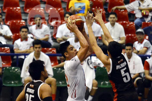Blackwater draft pick Tristan Perez makes a splash in loan deal with D-League side
