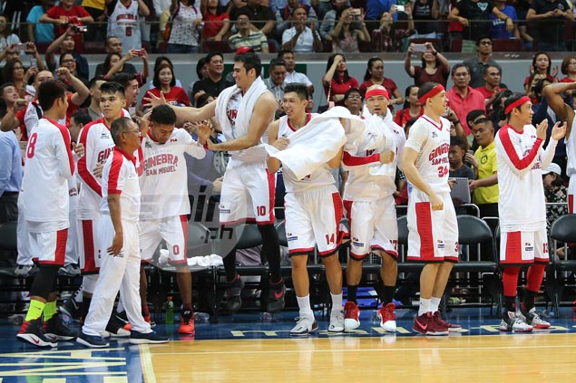 Mark Caguioa teases Ginebra haters: 'Kangkungin n'yo mga mukha n'yo'