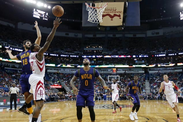 Lou Williams comes up huge in Rockets debut, helps spoil Cousins' first game with Pelicans
