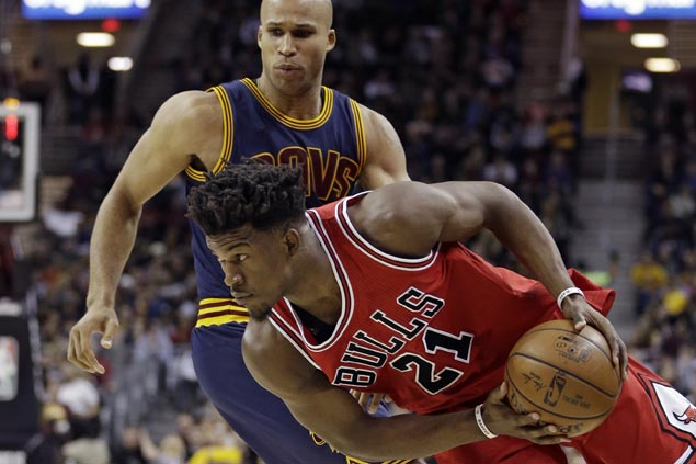 Jimmy Butler triple-double powers Bulls to victory over LeBron-less Cavaliers