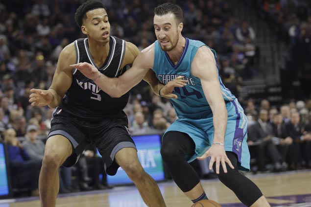 Frank Kaminsky takes charge as Hornets snap five-game skid with victory over Kings