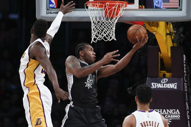 Spurs make it four wins in a row, send Lakers to fourth straight loss