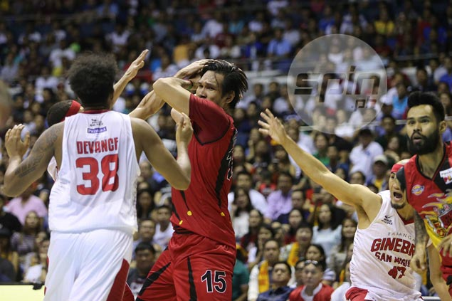 June Mar Fajardo adjust to referees' calls - and stays out of foul trouble in the process