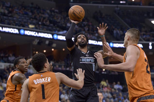 Grizzlies grind through sluggish start to pull away late over slumping Suns