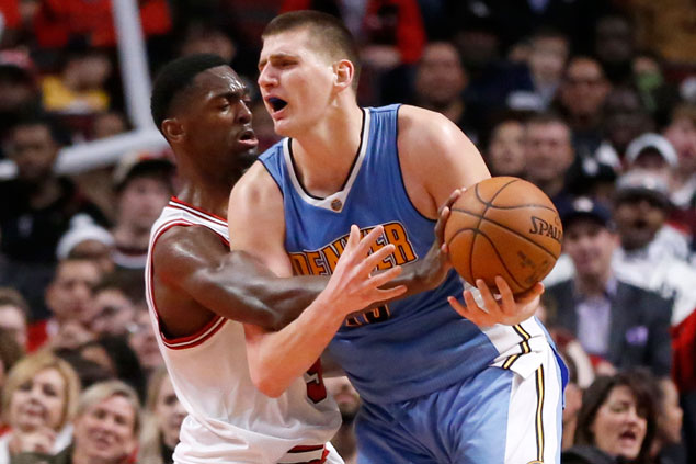 Nikola Jokic has triple-double as Nuggets get back on track with victory over Bulls