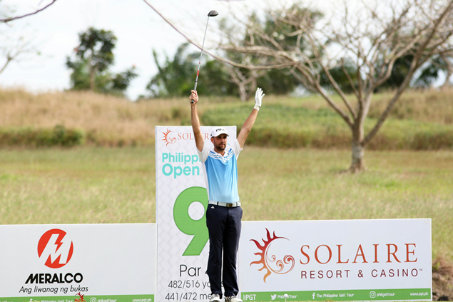 Englishman Steve Lewton bucks strong winds at TCC, leads Solaire Philippine Open by two
