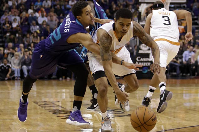 Suns bench sparks strong finish to put away Hornets and snap three-game slide