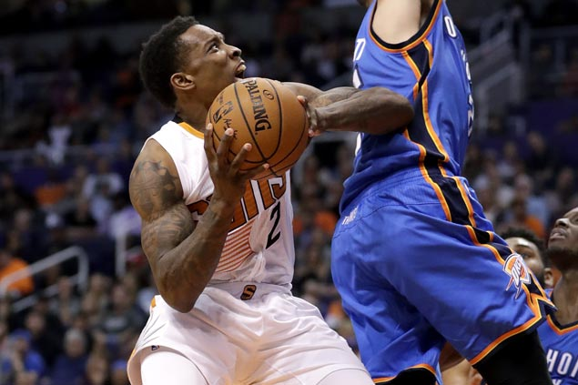 Suns spoil Westbrook's big game, turn back tired Thunder to post back-to-back wins