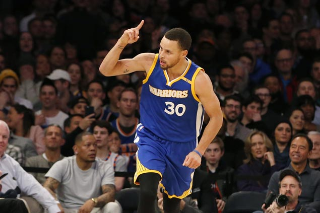 Steph Curry owns best-selling jersey for second straight year, Warriors rule NBA merchandise sale