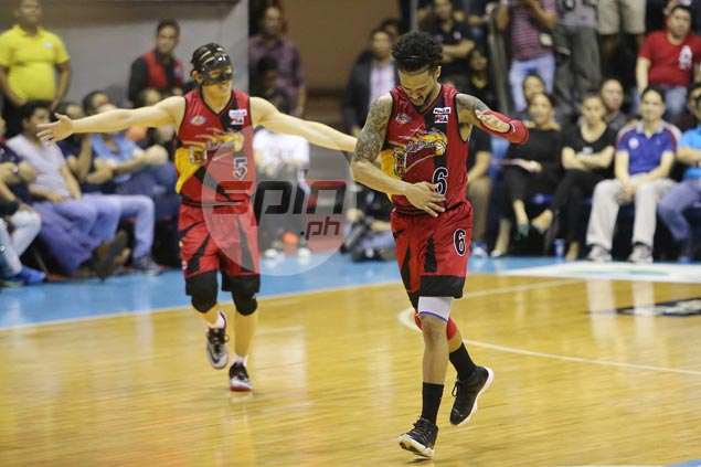 Chris Ross, Tim Cone let bygones be bygones with short talk at end of PH Cup Finals