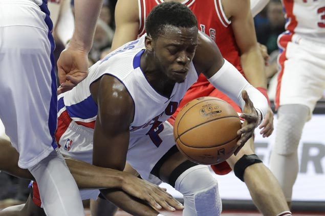 Reggie Jackson catches fire in second half to power Pistons past Bulls