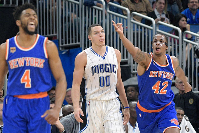 Carmelo-less Knicks rally to beat Magic and snap two-game slide