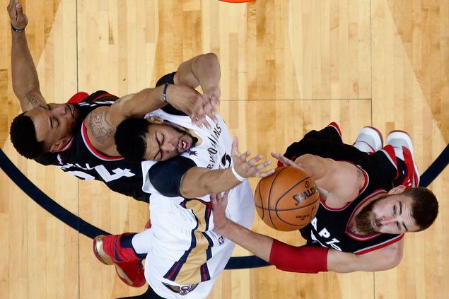Raptors defeat Pelicans as Anthony Davis leaves early with injury