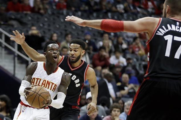 Dennis Schroder plays solid in fourth as Hawks overcome Raptors for second straight win