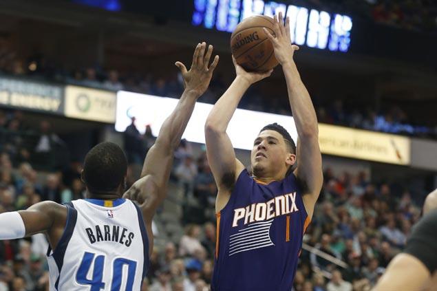 Devin Booker hits game-winning jumper to lift Suns over Mavericks