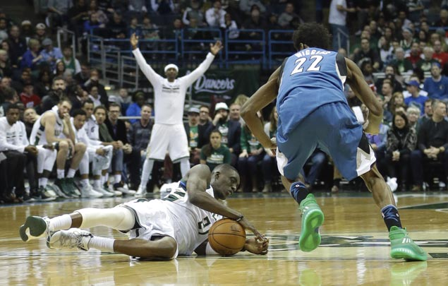 Bucks extend streak to a season-high seven games with victory over Timberwolves