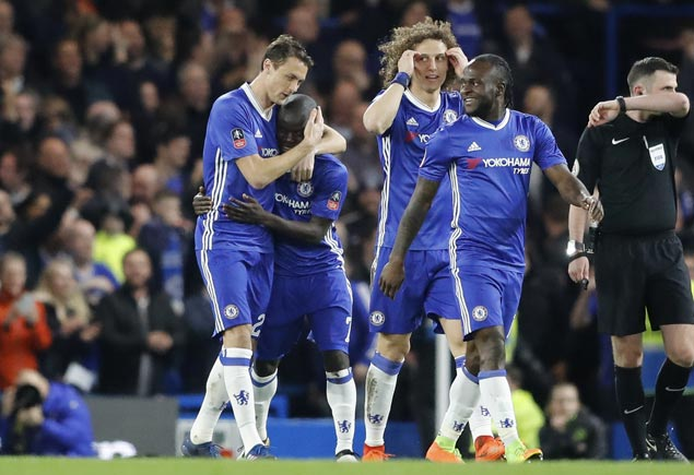 Chelsea turns back Man United to set up FA Cup semifinal against Spurs
