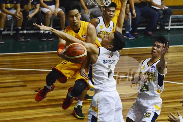 Mark Cruz takes charge in endgame as Tanduay nips JRU to clinch twice-to-beat edge