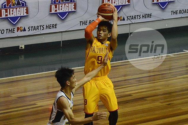 Tanduay activates former PBA player Lester Alvarez to lessen load on guard Mark Cruz