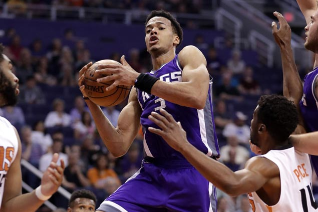 Kings rookie Skal Labissiere caps career game with clutch hits to turn back skidding Suns