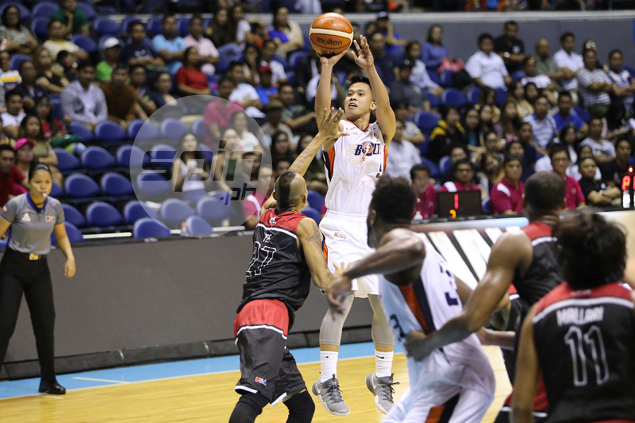 Baser Amer, Cliff Hodge shine as Meralco shows full potential in win over Mahindra