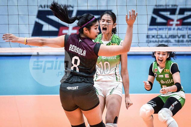 La Salle Lady Spikers get back at UP Lady Maroons, inch closer to UAAP Final Four