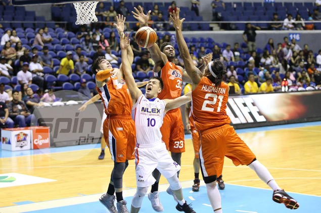 Defense is name of game as in-form Meralco heaps more misery on sister squad NLEX