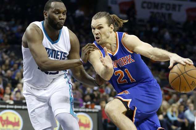 TNT looking at NBA 'energy guy' Lou Amundson as possible replacement for Denzel Bowles