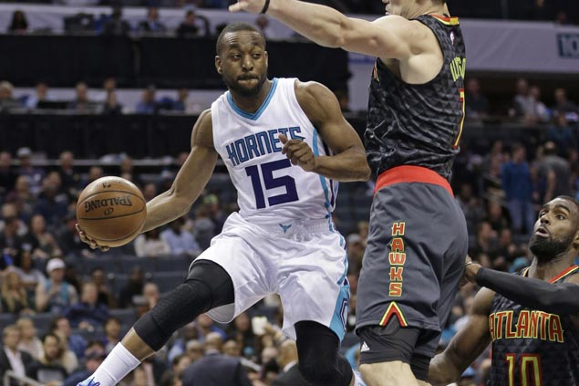 Hornets make it back-to-back wins with romp to deal Hawks fourth loss in a row